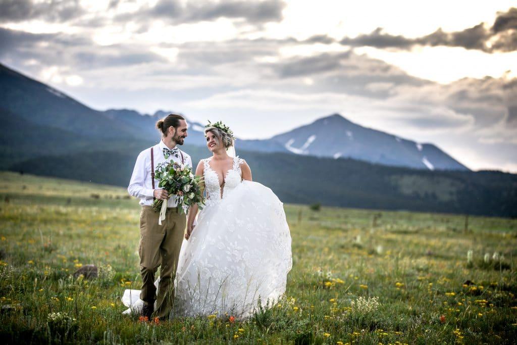 bride and groom colorado wedding venue